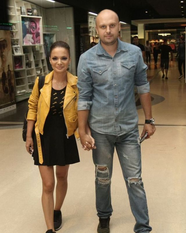 Andreea Antonescu and Traian, her former life partner. The two divorced after an 8-year marriage
